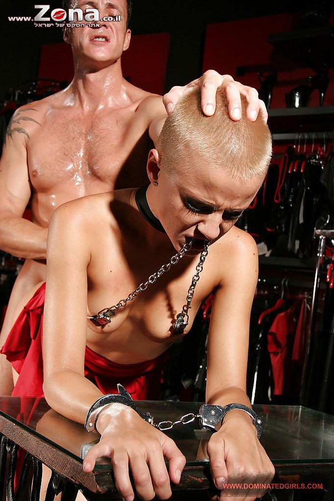 Isabella shaved head submissive cock